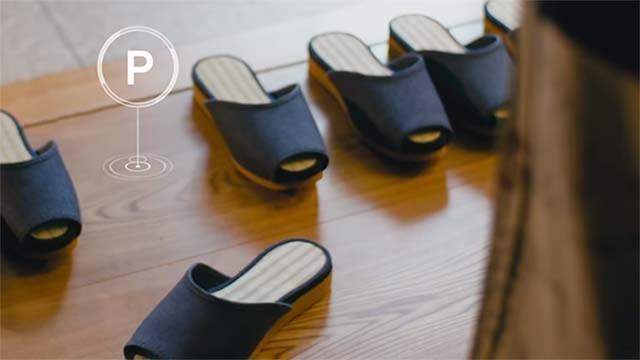 Nissan applies self-parking vehicle technology... to footwear (video)
