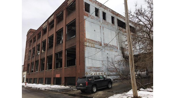 EPA starts cleanup of former light bulb recycling facility in Cleveland