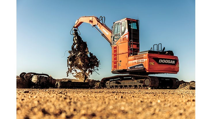 Doosan DX225MH-5 material handler features performance