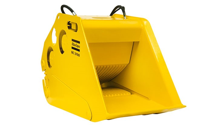 Atlas Copco bucket crushers can be used for demolition and recycling