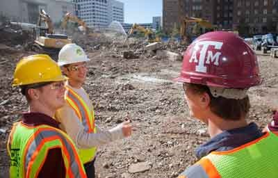 Texas A&M students tour demolition and recycling operation