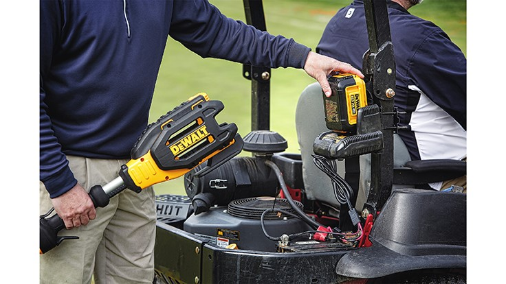 DeWalt launches 40V MAX mower/vehicle charger