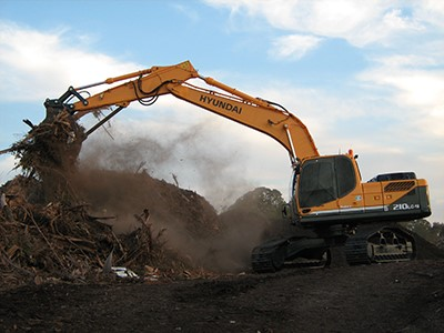 Hyundai Construction Introduces Mid-Size Crawler Excavator
