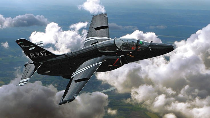 Successful first flight for the Aermacchi M-345HET