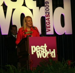 Emily Thomas Kendrick Receives 2009 Women of Excellence Award at PestWorld '09