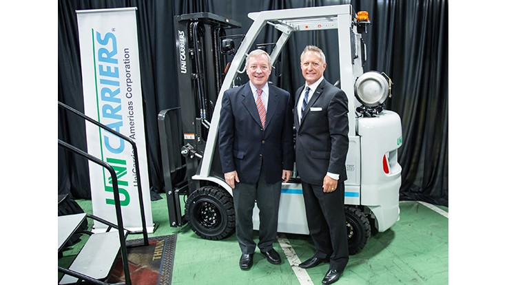 UniCarriers receives US senator as visitor
