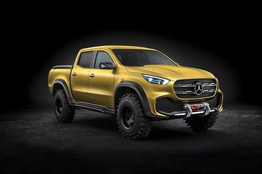 Mercedes designs discuss company's first pickup concept (Video)