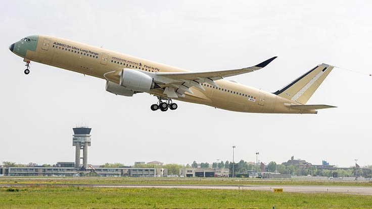Ultra long-range Airbus A350 XWB completes first flight