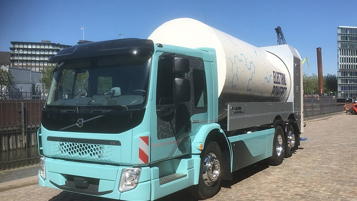 Volvo Trucks unveils electric refuse truck