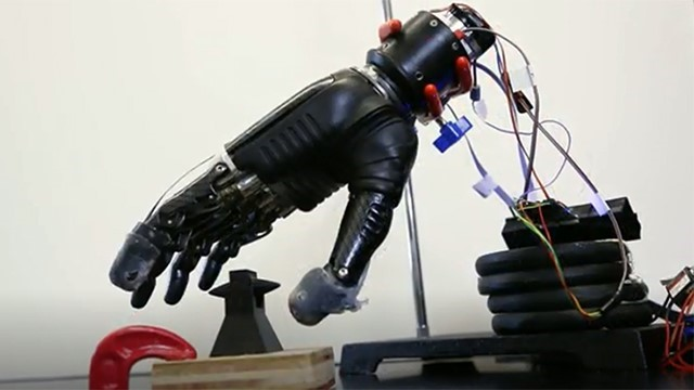 E-dermis sensory glove brings sense of touch, pain to prosthetic hands [VIDEO]
