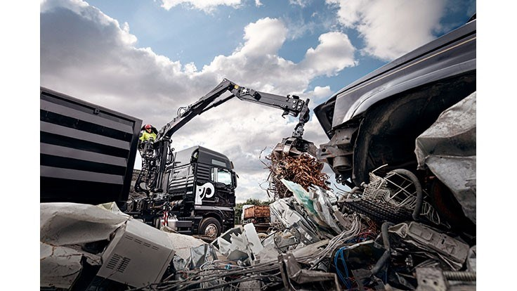 Hiab updates Jonsered line of recycling cranes