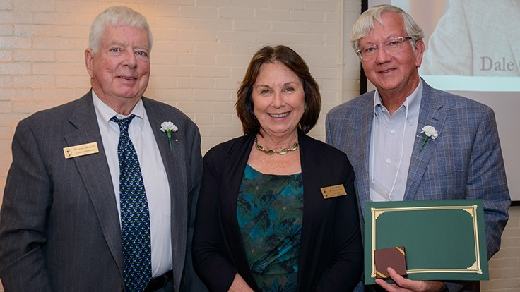 Spring Meadow Nursery owner Dale Deppe receives Jackson Dawson Award