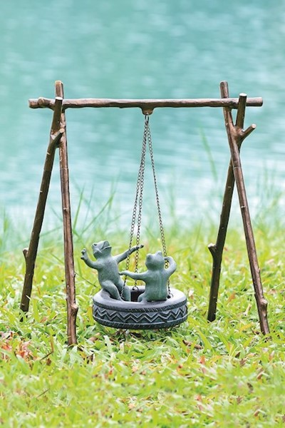 Tire Swing Frogs Garden Sculpture