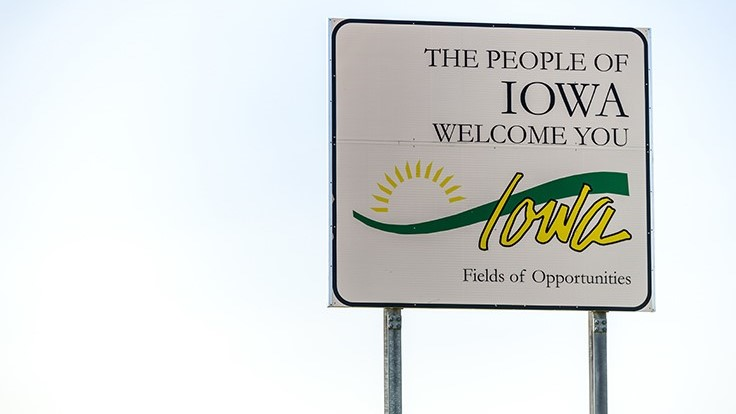 Iowa Democrats Call for Special Session to Override Medical Marijuana Veto