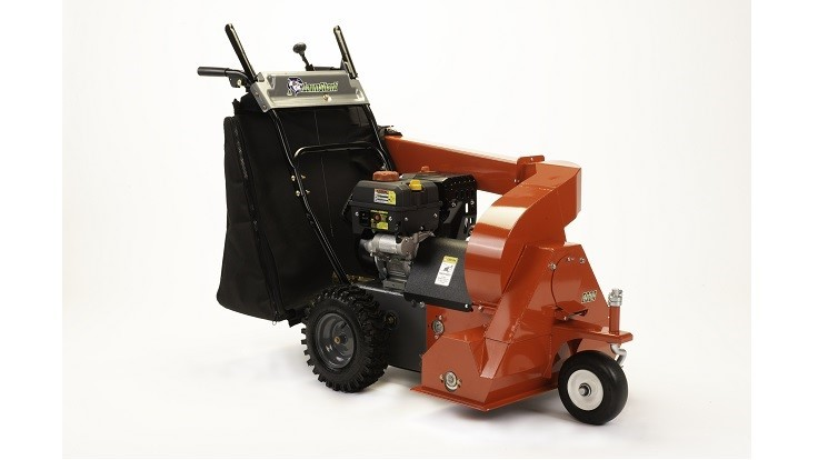 LawnShark displays ESeries sweepers at GIE+EXPO