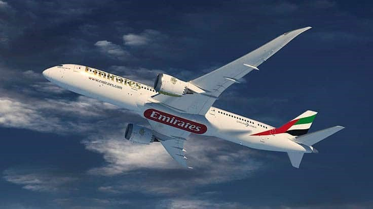 Emirates orders 30 Boeing 787 Dreamliner jets