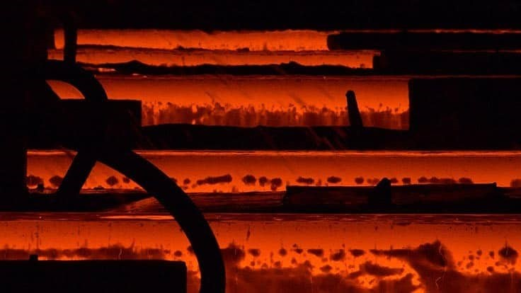 US steel production inches upward in first half of July