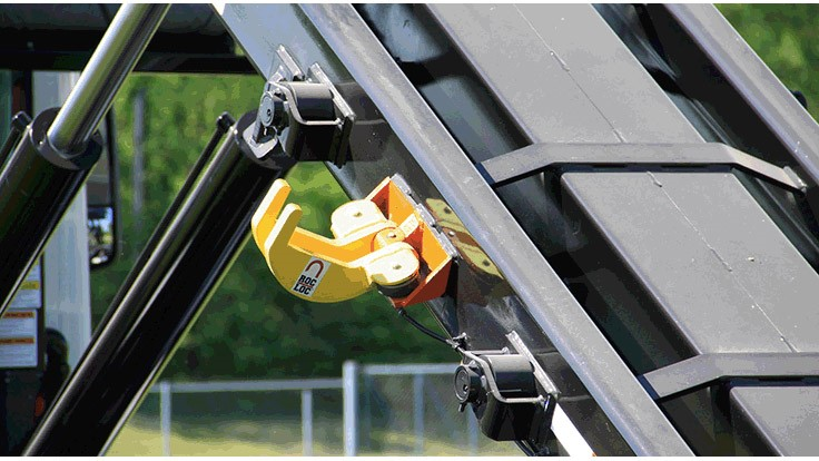 Galbreath introduces rolloff locking system - Recycling Today